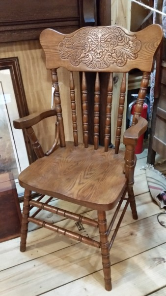 Solid oak pressed back chairs set of 4 (2 arm to 2 side) $225.00