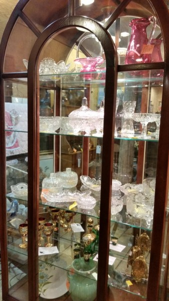 Nice collection of America Brilliant Cut Glass Crystal and other nice glass items