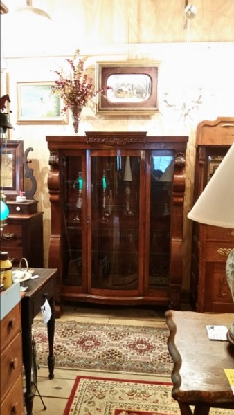 Antique tiger oak china closet beautifully carved shell design with bow front door plate glass shelves working lock and key